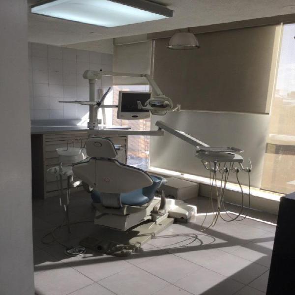Consultorio dental y laboratorio