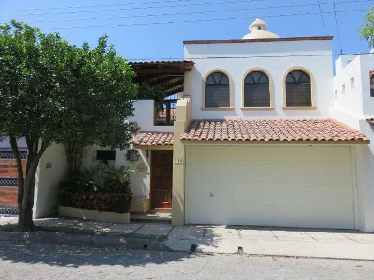 Casa en jardines vista hermosa, excelente ubicación y