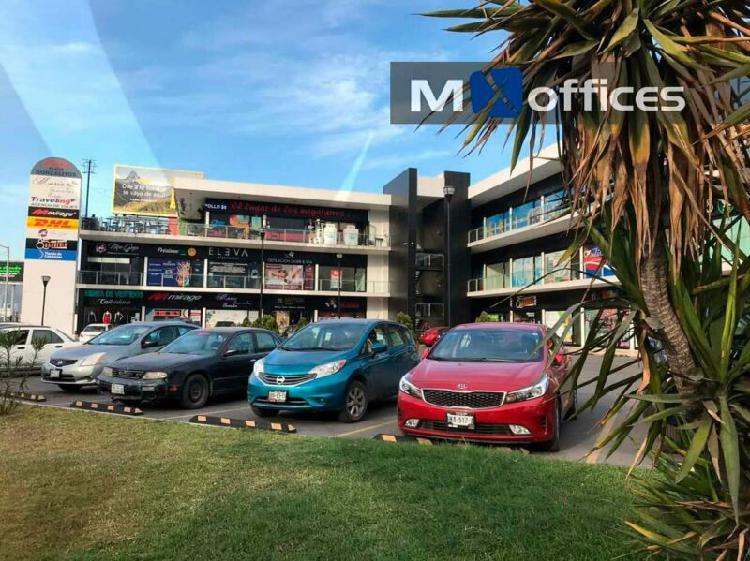 Local en terraza en renta de 320m2 en plaza comercial en