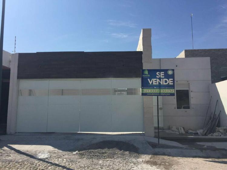 Casa en venta de una planta residencial esmeralda norte