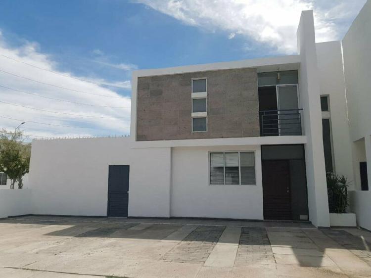 Casa amueblada en renta en residencial senderos torreon