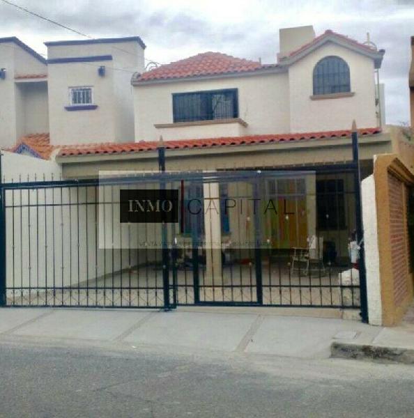Casa en venta por mirador y periferico. fracc privado.