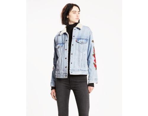 Levi's® mujer chamarra ex boyfriend sherpa trucker jacket