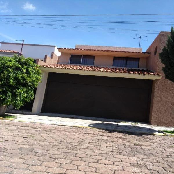 Casa semi nueva en venta en conjunto residencial arcos del