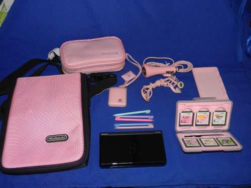 Nintendo ds con accesorios y juegos