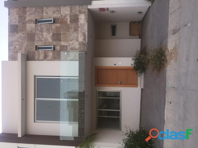 Casa lujo nueva coto lomas zapopan 3r,3b, $2550,000.00