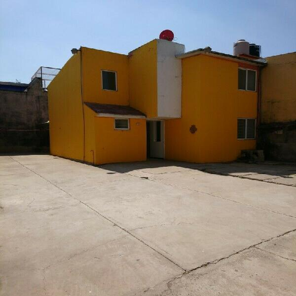 Casa sola en renta muy cerca de plaza aragón