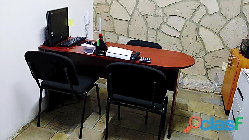 Oficina amueblada para una persona incluye los servicios