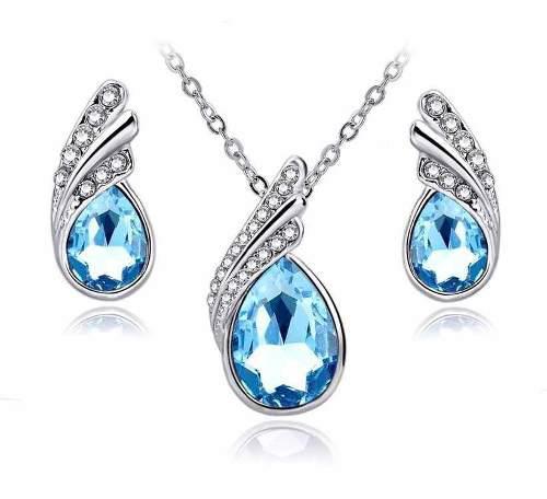 8da540aca0d2 Aretes y collar set chapa oro con cristales swarovsk