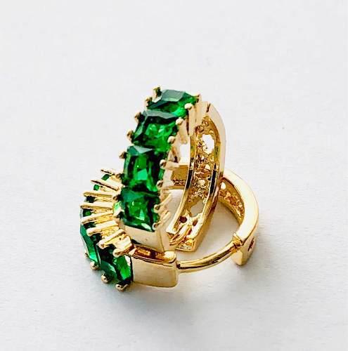 8566867d5998 Arracadas de oro cristal verde austriaco envio gratis.