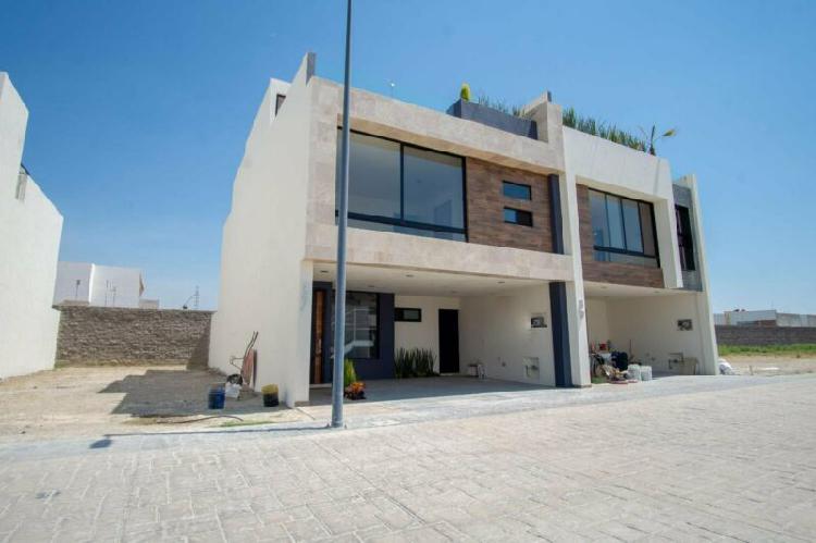 Hermosa casa nueva en venta, residencial lucendi, atrás de