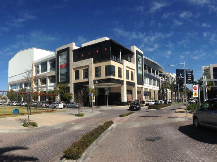 Locales en renta en plaza sinfonía en distrito sonata