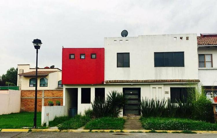 En venta amplia residencia ex-hda san jose toluca zona