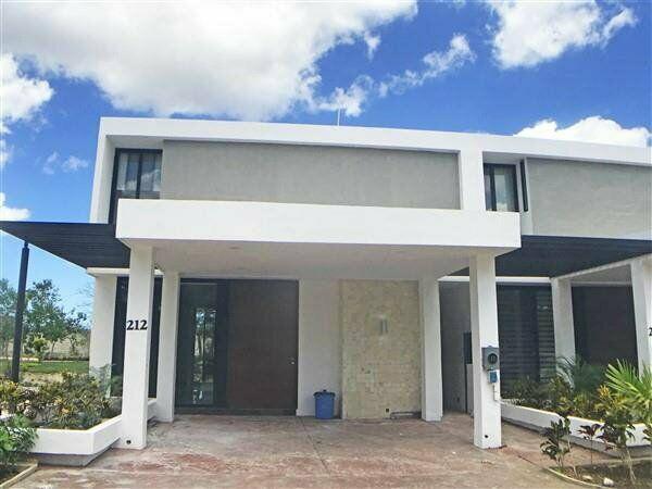 Casa en renta de 3 recámaras en privada altozano