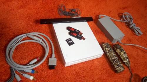 Wii consola + 24 juegos wii + 2000 retro + cable componente