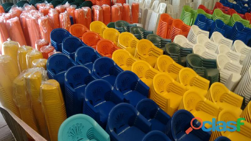 Sillas ,Bancos y Mesas Apilables de Plástico 2