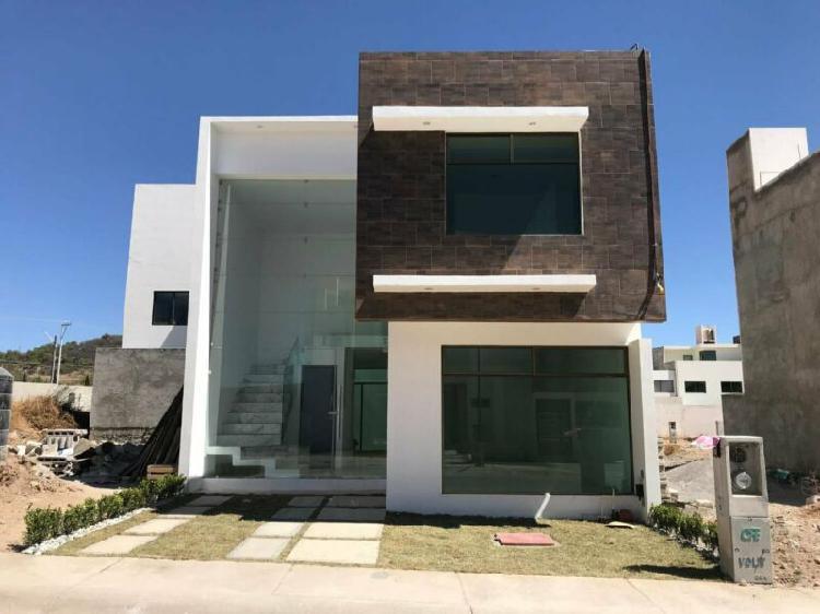Renta casa en fraccionamiento residencial terranova,