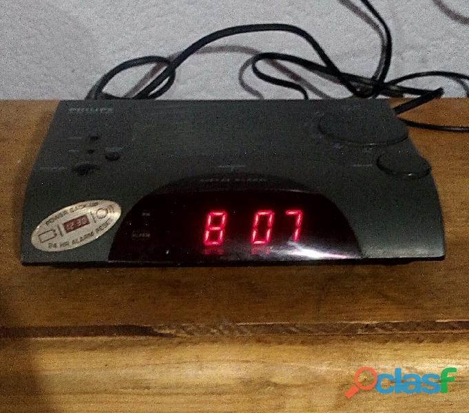 Reloj radio despertador de escritorio