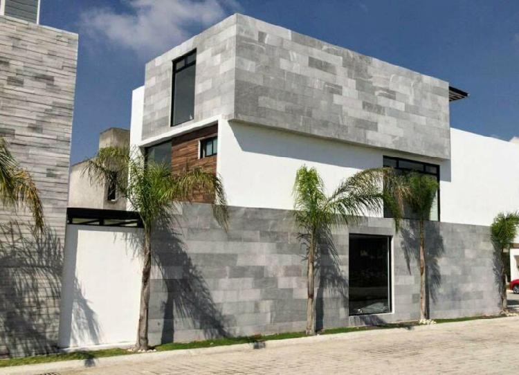 Casa nueva en venta por la udla