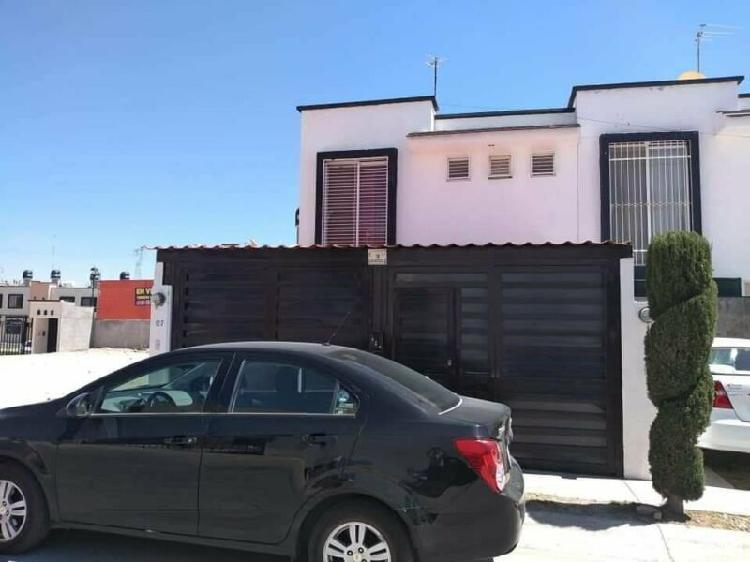 Casa semi amueblada en renta en montebello, al norte de ags