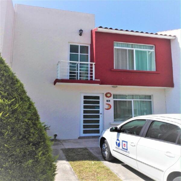 Casa en renta en la vigata salida a silao, puerto interior y
