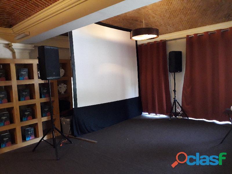 Renta de proyectores, pantalla y equipo audiovisual