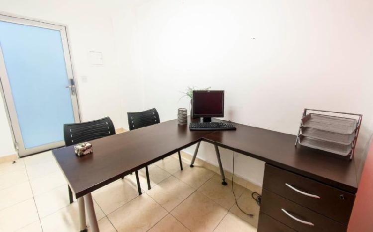 Renta de oficina con servicios incluidos por $9,387 para 3