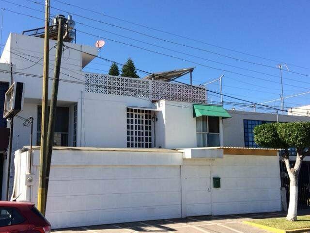 Casa en venta con uso de suelo mixto