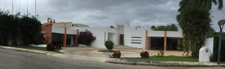 Lujosa residencia en venta privada oasis