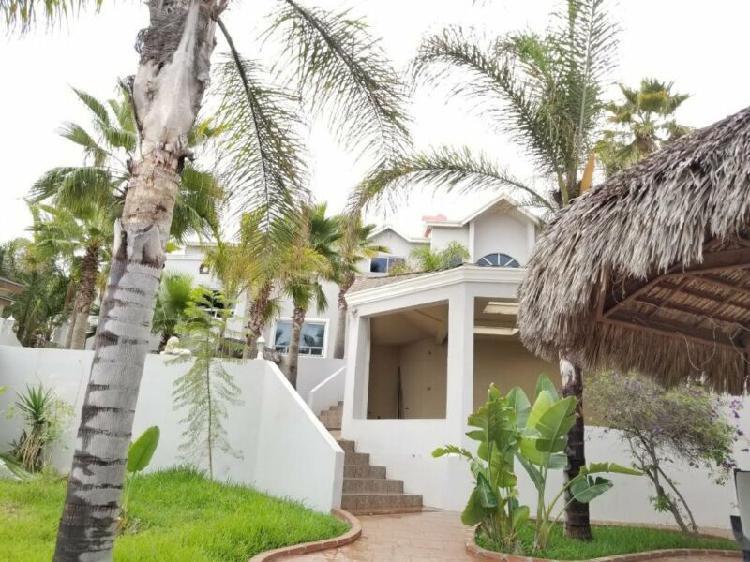 Casa en venta en fraccionamiento costa coronado