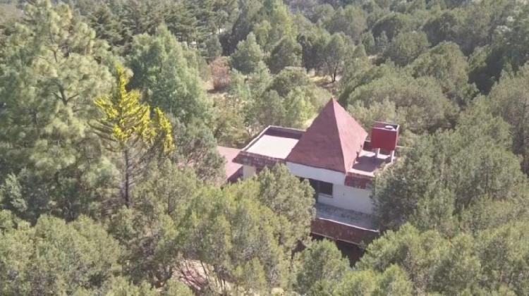 Terreno de 2 hectáreas con casa de campo de 2 pisos, huasca