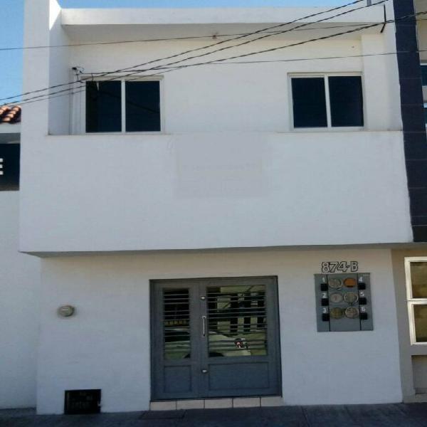 Venta de 6 consultorios u oficinas en colonia centro frente