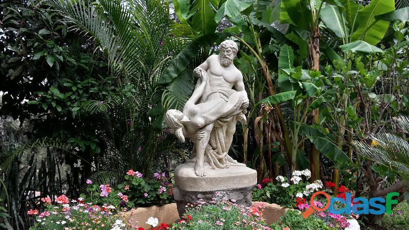 Piedra de jardin decoración
