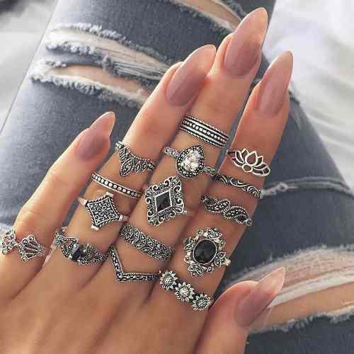 Set de 15 anillos para mujer. retro / vintage