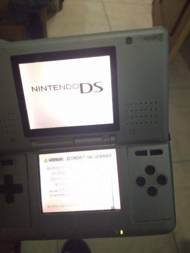 Nintendo ds con entrada para juegos de gameboy advance