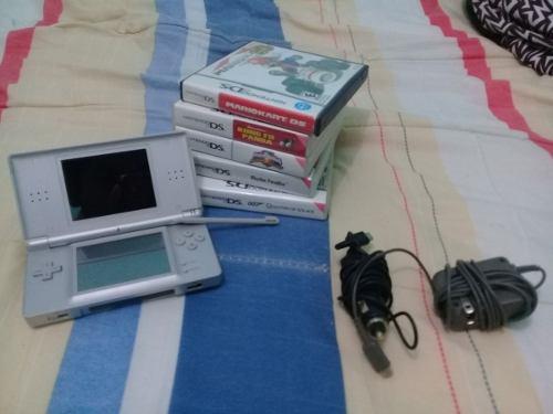 Nintendo ds lite + 5 juegos y uno de game boy