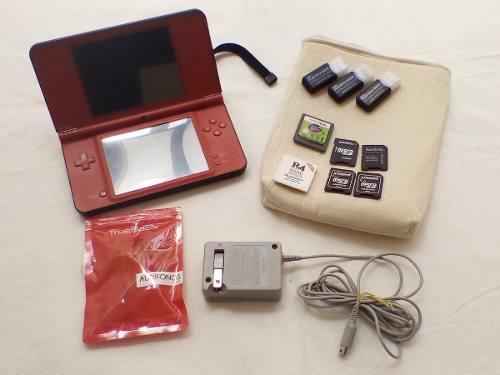 Nintendo ds xl con más de 200 juegos, impecable