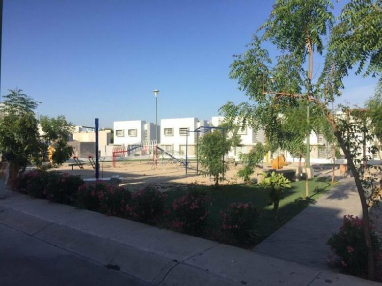 Renta casa amueblada en zona dorada $7,000