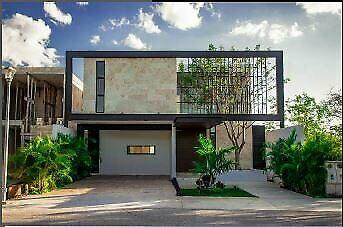 En venta exclusiva casa en Privada Chaactun, Mérida