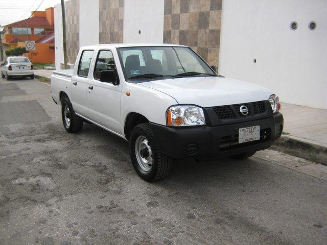 Nissan np300 doble cabina