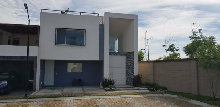 Casa en venta en lomas de angelopolis