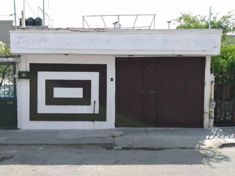 Casa en venta satelite av. de la luz $875,000 mxn remato