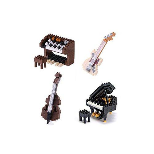 Cuatro diferentes instrumentos musicales en nanoblocks - pia