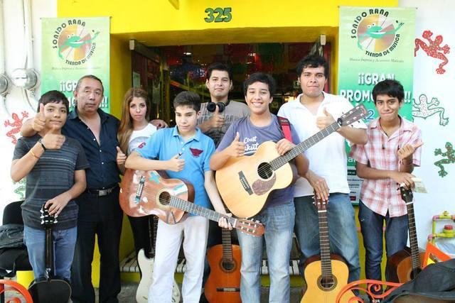 Clases de guitarra, canto, piano, batería