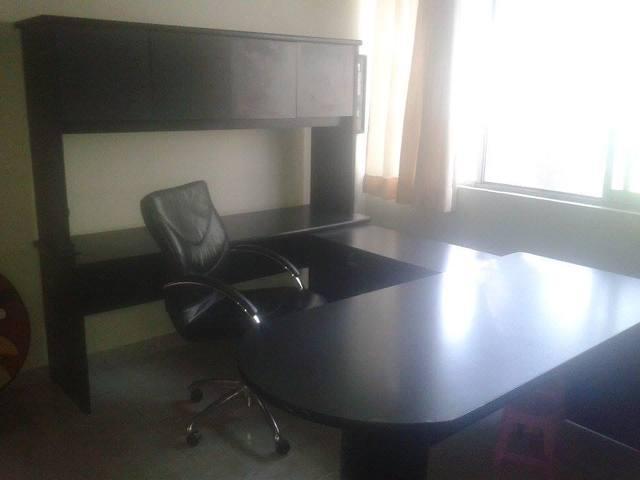 Elegante conjunto de muebles ejecutivo para oficina o