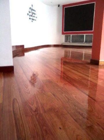 Servicio barnizador y pulidor de pisos, m. hidalgo.