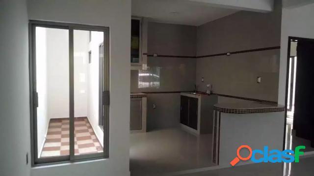 Casa sola residencial en venta en colonia villa rica, boca del río