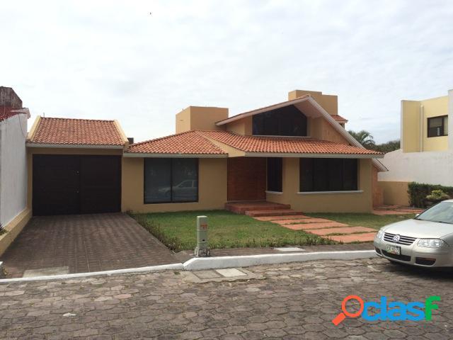 Casa sola residencial en venta en fraccionamiento club de golf villa rica, alvarado