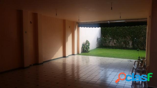 Casa sola residencial en venta en colonia subida a chalma, cuernavaca