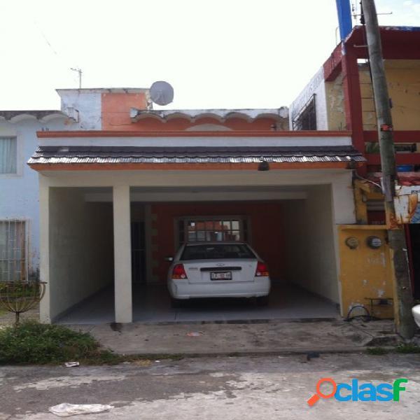 Casa sola en venta en Fraccionamiento Laguna Real, Veracruz